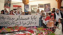 Der Diktator hat immer noch seine feste Fan-Gemeinde:  Geburtstagsfeier im April 2007.