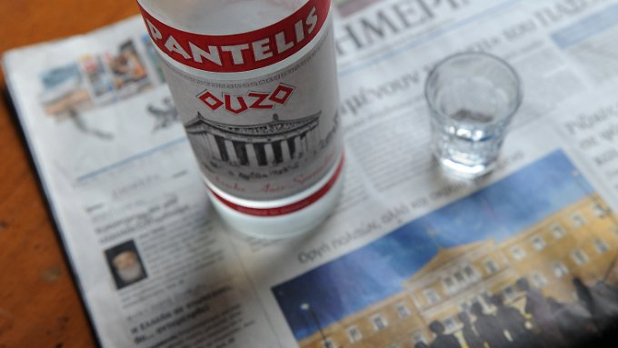 Steuerhinterziehung scheint in Griechenland Volkssport zu sein. Das Problem beginnt in der Taverne um die Ecke.