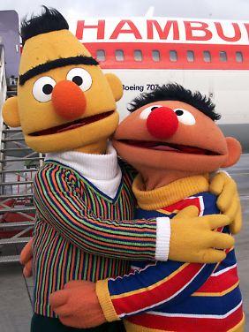 n-tv.de traf Ernie und Bert zum Interview in Hamburg.