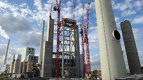 Um die Stromversorgung auch im Winter sicherzustellen, stehen drei Reservekraftwerke zur Verfügung: In Mannheim, Mainz/Wiesbaden und Ensdorf.