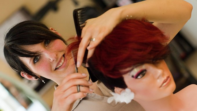 Friseure können den Meisterzwang schon jetzt unter bestimmten Voraussetzungen umgehen.