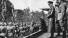"""""""Wir können untergehen. Aber wir werden eine Welt mitnehmen"""": Adolf Hitler"""