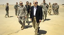 Gates besucht eine US-Panzerbrigade.