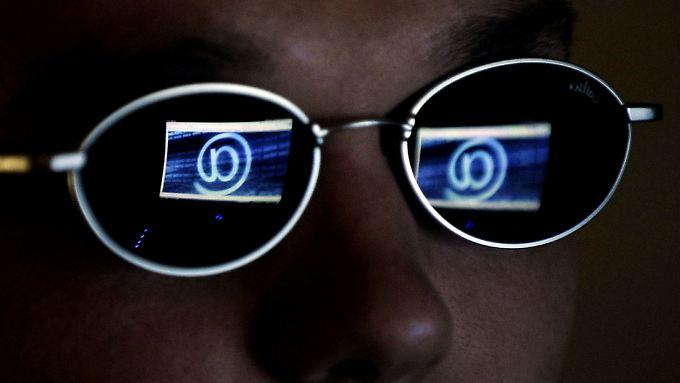 Nur das Netz im Blick: Hunderttausende sollen internetsüchtig sein.