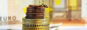 Alte Lebensversicherungen entwickeln sich in Zeiten magerer Zinsen zum Renditeturbo.