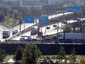 Das Neuköllner-Dreieck der Stadtautobahn: Die A100 endet derzeit an Ausfahrt Grenzalle und soll nach dem Willen des Senats in Richtung Treptow weitergebaut werden.