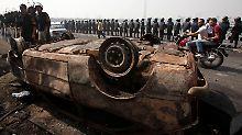 Um den Ort der Auseinandersetzung erhöht die Armee die Sicherheitsstufe.