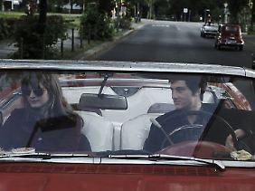 Ensslin und Baader in seinem schicken roten Revoluzzer-Cabrio.