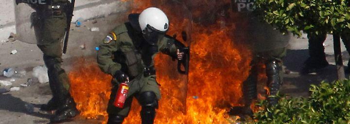 Randale und Proteste in Athen: Demokratie in der Feuerprobe?