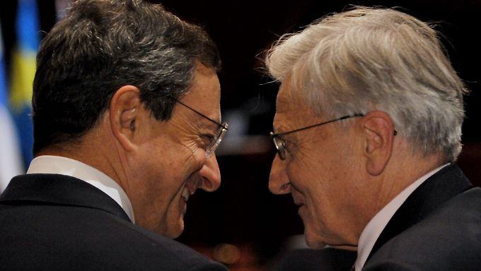 Die EZB-Banker Mario Draghi (lks.) und Jean-Claude Trichet.