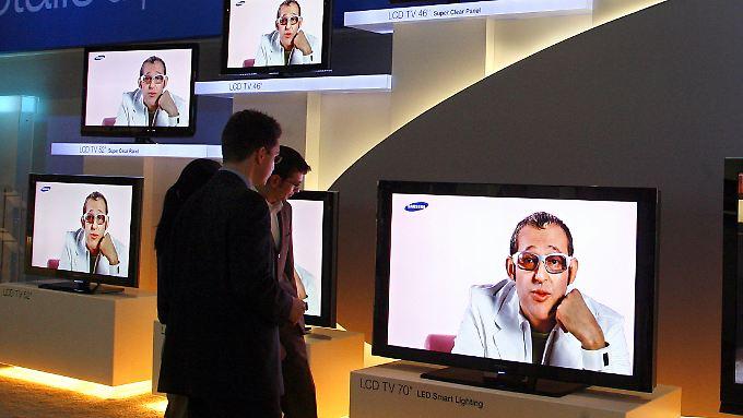 Es wird nicht nur geschaut, sondern auch gekauft - zumindest in Deutschland steigt die Konsumlaune.