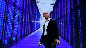 Im dritten Quartal rot statt blau: Amazon-Chef Bezos.