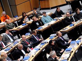 Rechts von der CDU nehmen die Piraten Platz.
