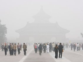 Smog in Peking: Bei ungünstigen Wetterlagen bekommen die Bewohner die Auswirkungen des Energiehungers zu spüren.