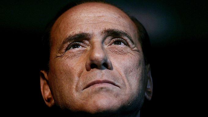 Druck aus Rom und Brüssel: Berlusconi ringt um Macht