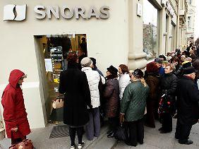 Kapitalbeschaffung auf ruppige Weise: Bei Litauens Snoras Bank soll Antonow Geld abgezogen haben.
