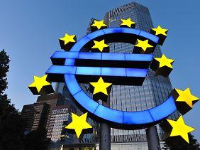 Viel hilft viel: Die Notenbanker wollen die Nervosität mit Liquidität ersticken.