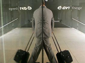 Bei Eon müssen allein in Deutschland wohl bis zu 6500 Mitarbeiter gehen.