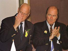 Fifa-Ehrenpräsident Joao Havelange mit seinem Nachfolger und Zögling Joseph Blatter.