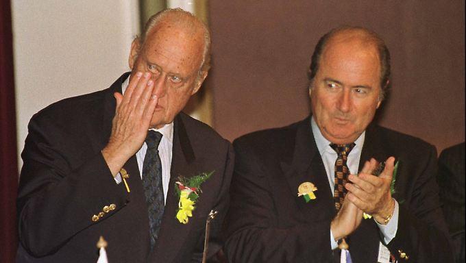 Die ISL-Akten, die Insidern zufolge Blatter und seinen sportpolitischen Ziehvater Joao Havelange schwer belasten, bleiben weiter geheim.