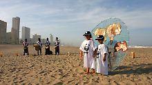 WWF-Aktion am Strand von Durban.