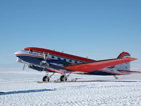 Nur im Sommer können einzelne Stationen Landepisten für spezielle Flugzeuge präparieren.