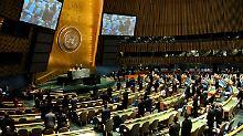 Gelichtet sind die Reihen der Trauernden bei der UNO.