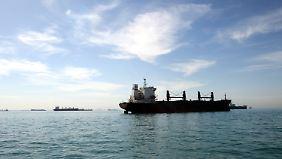 Öltanker in der Meerenge von Hormus.