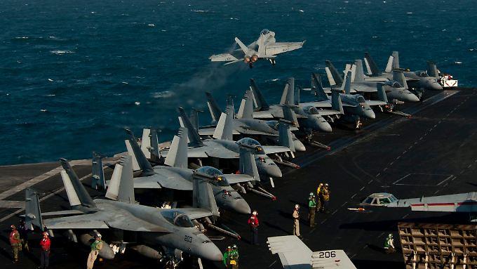 Ölhandelsrouten-Sperrung durch den Iran: USA drohen mit Militär-Aktion