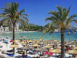 Schock auf Mallorca: Mann schießt auf Café-Gäste