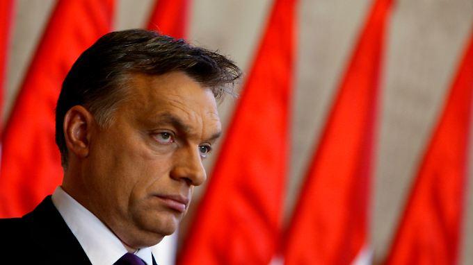 Ungarns Premier Orban will sich in der prekären Lage nicht vom IWF helfen lassen, solange die Hilfe an Auflagen gebunden ist.