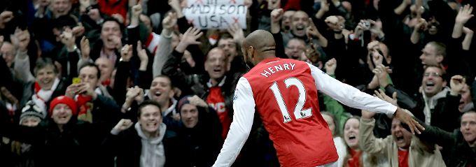Dieses Bild werden die Arsenal-Fans in diesem Jahr nicht sehen: Vor knapp einem Jahr jubelt der ausgeliehene Henry in der englischen Premiere League.