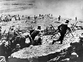 """Bild einer Front im Ersten Weltkrieg. Wulff sieht sich angeblich im """"Stahlgewitter"""", angelehnt an den berühmten Roman Ernst Jüngers."""