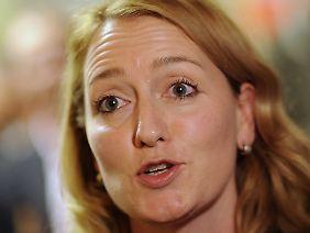 Caren Lay, Bundesgeschäftsführerin der Linken, erwägt die parlamentarische Aufklärung.