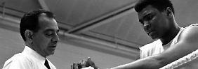 Der Trainer und sein Boxer: Angelo Dundee mit Muhammad Ali im Jahr 1966.