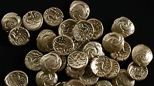 Die goldenen Münzen des keltischen Volksstammes der EBuronen stammt aus dem 1. Jahrhundert vor Christus.