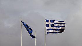 Harte Einschnitte für Griechenland: Athen einigt sich auf Sparpaket