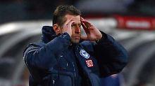 Michael Skibbe nach dem 0:5 in Stuttgart. Am Sonntag erlösten sich Hertha und der glücklose Coach voneinander.