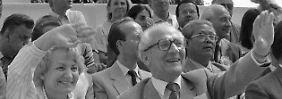 """""""Meine Kleine"""" spricht Honecker seine Frau Margot in den Tagebuch-Notizen an. Dabei hat er jahrelang unter der Ehe gelitten."""