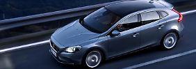 Markante Optik:Die Karosserie des Volvo V40 zieren auffällige Sicken.