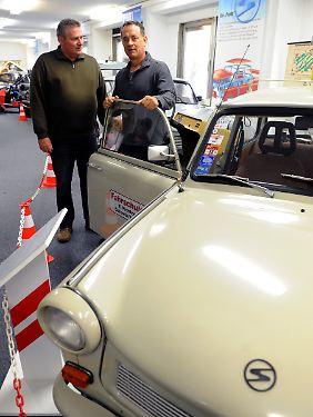 Hanks offenbart da eine gewisse Affinität: Er besuchte auch schon das DDR-Museum in Radebeul.