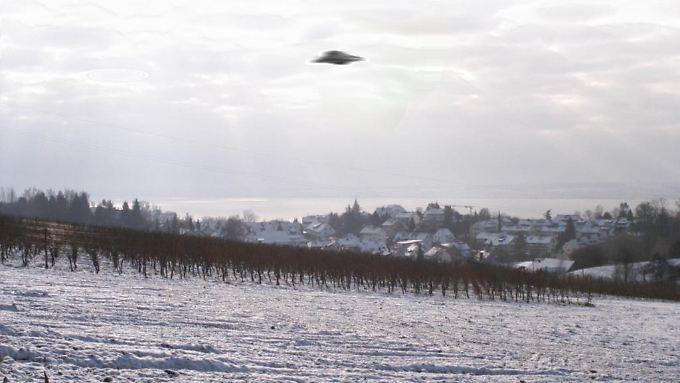 Nachweislich eine Fälschung: ein Ufo über Meersburg am Bodensee.