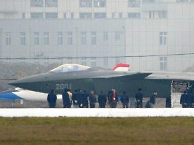 "Made in China: der Tarnkappen-Kampfjet ""J-20""."