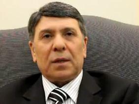 Abdo Hussameddin auf Youtube. Er wolle nicht länger an Verbrechen beteiligt sein, sagt der 58-Jährige.