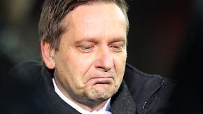 """Horst Heldt regt sich auf: """"Da krieg' ich das Kotzen!"""""""