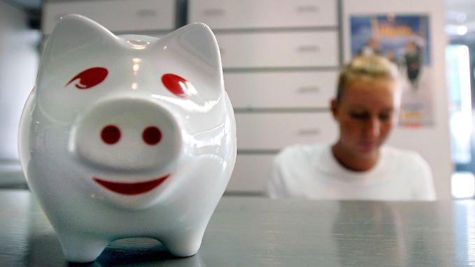 Die zehn Euro Praxisgebühr können sich Patienten künftig sparen.