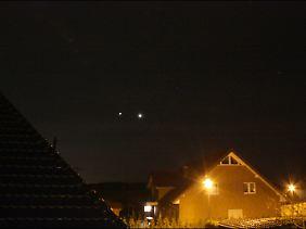 Vom 11. bis zum 13. März 2012 thronen Venus (rechts) und Jupiter gemeinsam am Himmel.