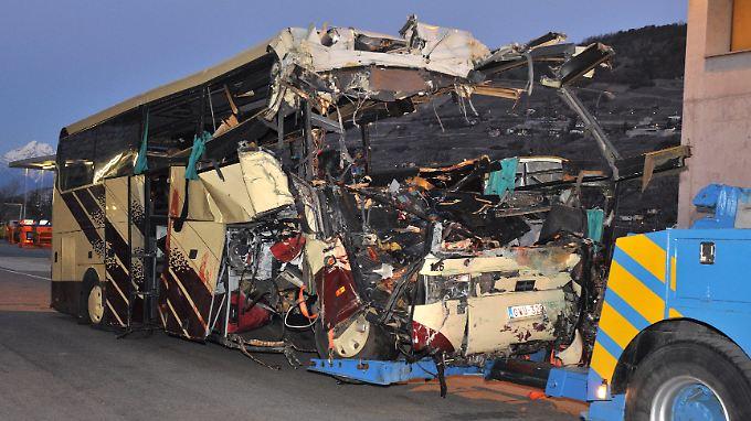 Verheerender Busunfall in der Schweiz: 22 Kinder sterben im Tunnel
