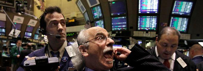 Nervöse Händler: Energiekosten, Kriegsgefahr und zwei große Notenbanken, die alles auf eine Karte setzen.