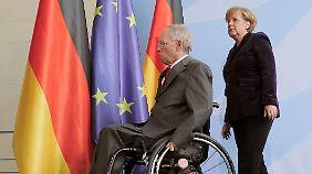 Aufstockung des Euro-Rettungsschirms: Merkel und Schäuble sind bereit